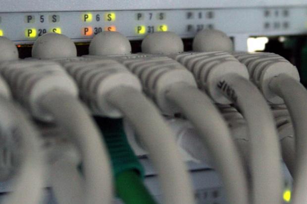 Przeszkodą w rozwoju MPLS VPN często jest dostęp do sieci operatora