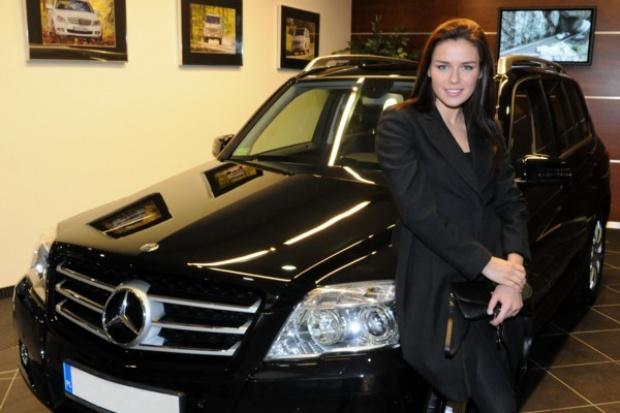 Urbańska w Mercedesie GLK