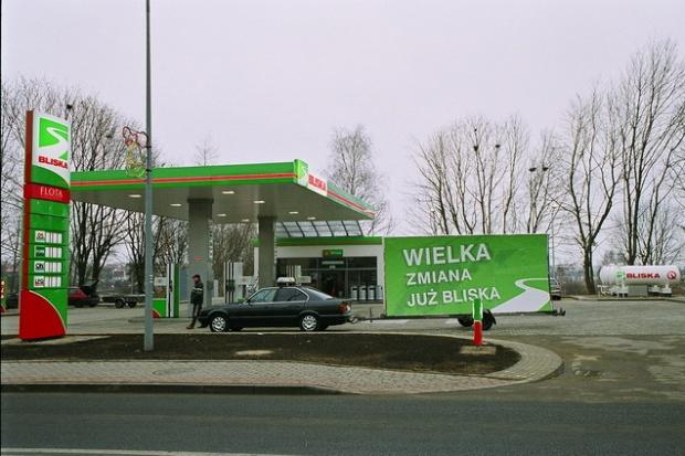 Zmiana logo stacji Bliska będzie kosztować ponad 40 mln zł