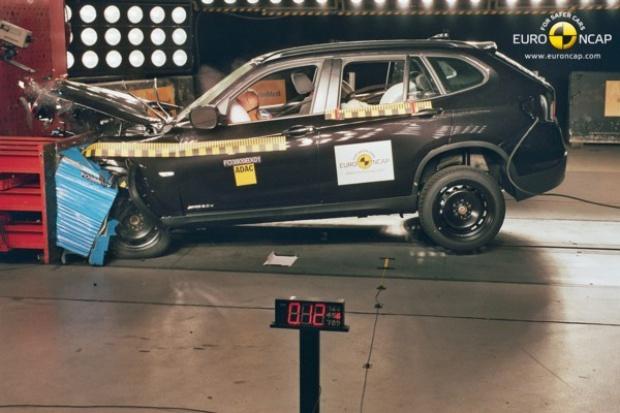 "BMW X1 na ""5"" w testach Euro NCAP"