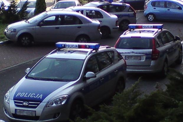 Policja uzupełnia park samochodowo-motocyklowy