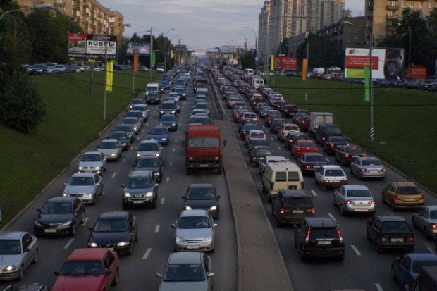 Moskwa ma za małą sieć drogowo-uliczną