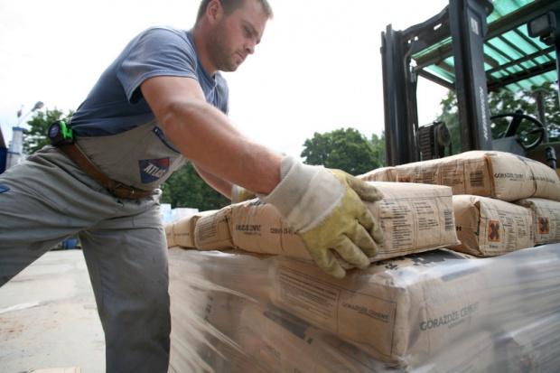 Produkcja cementu w XII spadła o 12,5 proc. rdr