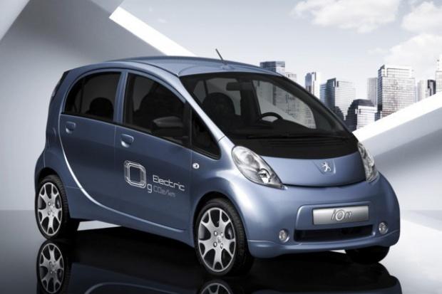 """Peugeot obiecuje """"czystą"""" i tanią przyszłość"""
