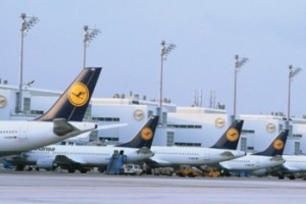 Mniej pasażerów na polskich lotniskach w 2009 roku