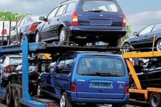 Import aut w odwrocie