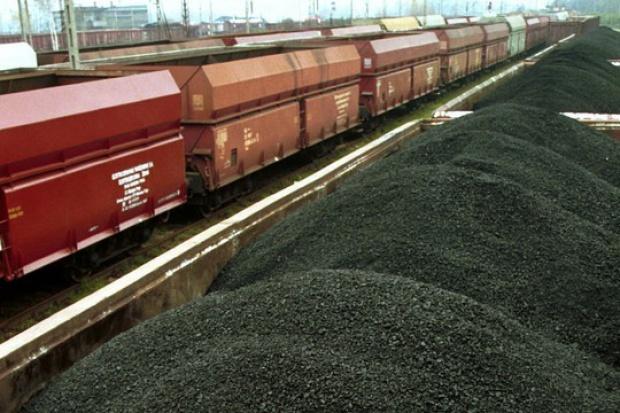 Złom i węgiel nadal najczęściej kradzione z pociągów towarowych