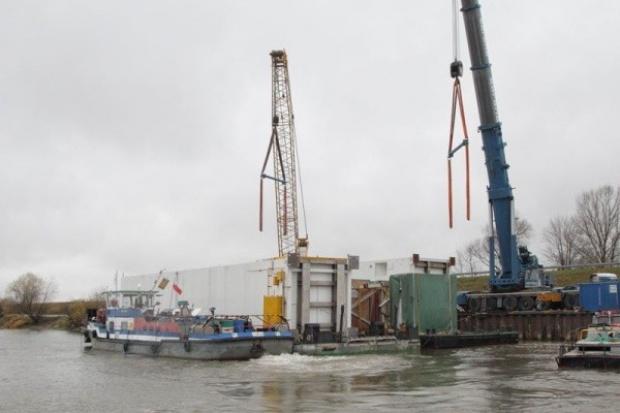 Urządzenia dla Puław: statkami, pontonami i specjalnymi naczepami