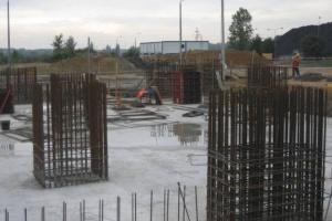 Trzy oferty na budowę terminalu LNG