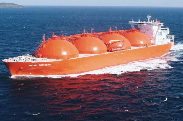Ekspert MAE: LNG będzie coraz tańsze