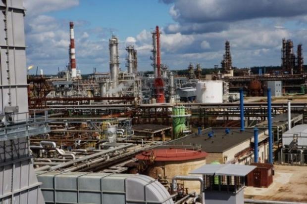 Putin popiera wejście TNK-BP do rafinerii w Możejkach
