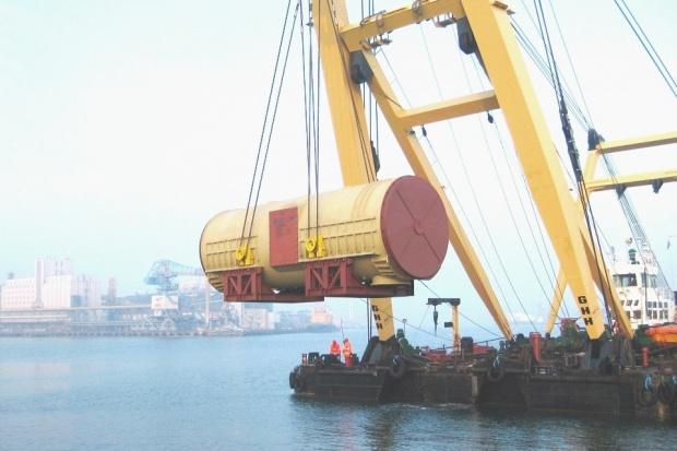 Ciężkie generatory wypływają z Polski
