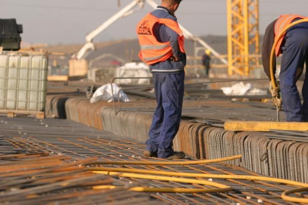 W 2010 r. na budowę dróg w Polsce 14,7-15,7 mld zł