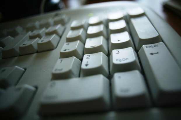 Rząd chce rozmawiać o internetowej platformie komunikacyjnej