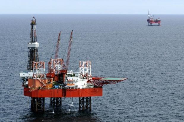 Debiut Petrobaltiku zawisł na platformie