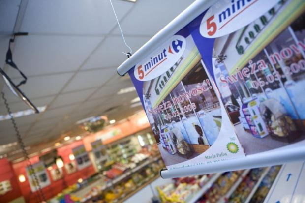 Coraz mniej sklepów na stacjach paliw