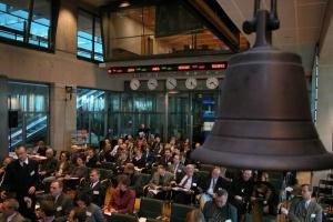 Fala bankructw nie zaleje warszawskiej giełdy