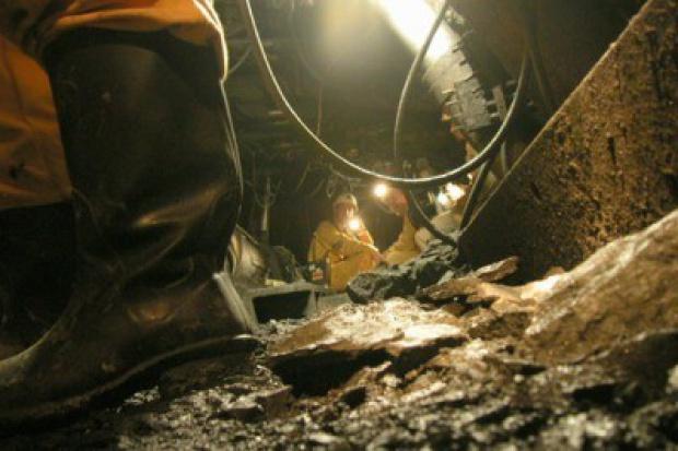 Ratownicy wydobyli ciało górnika zasypanego po tąpnięciu