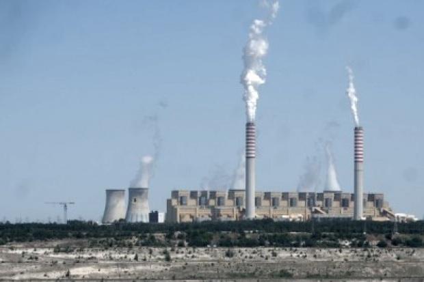 Dziwny ranking największych emitentów CO2