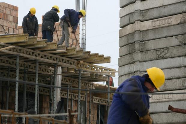 PIP: nieprawidłowości w budownictwie przy pracach na wysokościach
