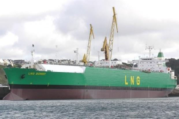 Siedem ofert w przetargu na budowę stanowiska statkowego LNG