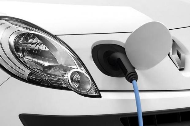 """Renault: infrastruktura i pilotażowe projekty dla """"zeroemisyjnych"""" aut"""
