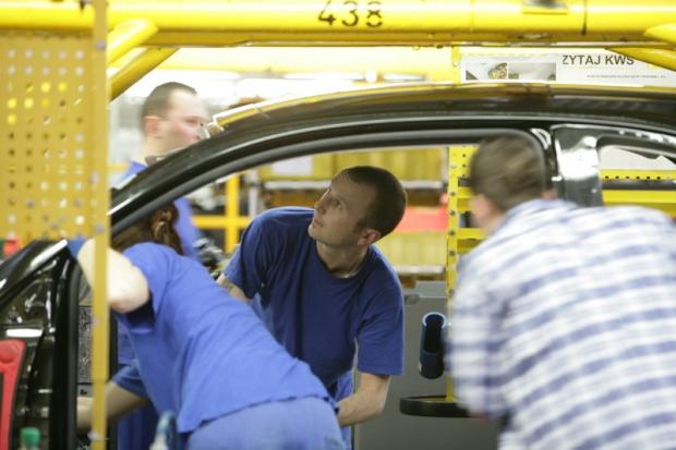 Produkcja aut: wyższa niż w lutym, mniejsza niż rok temu