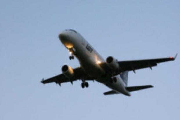 Pomimo częściowego wznowienia lotów, chaos na europejskich lotniskach