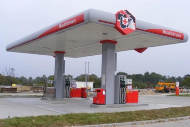 Przymarketowe stacje paliw ciągle w zastoju