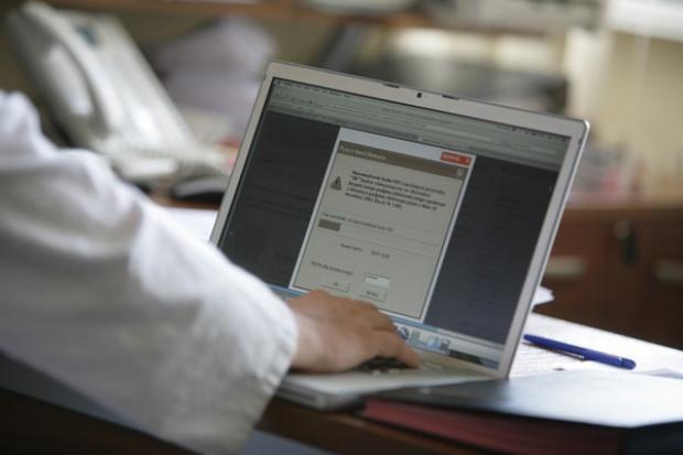 Rząd przyjął projekt nowelizacji ustawy o e-podpisach