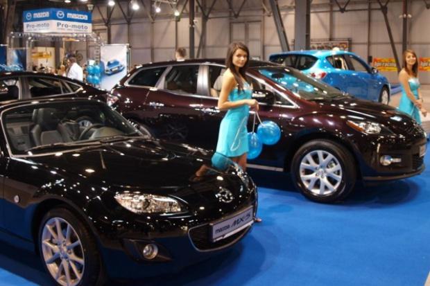 Od początku roku Polacy kupili 130 tys. nowych aut