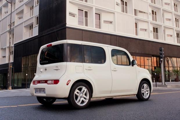 Pudełko Nissana w Polsce