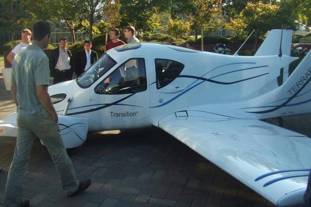 Latający samochód już w przyszłym roku ?