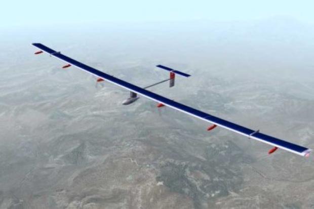 Samolot napędzany energią słoneczną zakończył lot