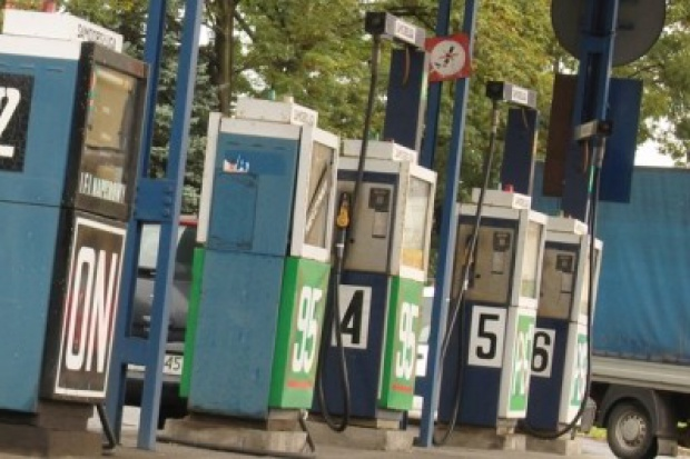Nawet 700 stacji w Polsce działa bez koncesji
