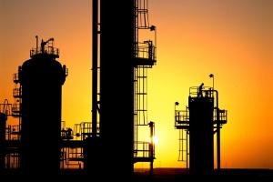 Kryzys w sektorze naftowym jeszcze nie minął