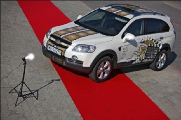 Chevrolet na czerwonym dywanie