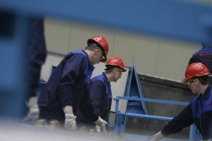 Firmy w Polsce dobrze organizują pracę i przestrzegają zasad BHP