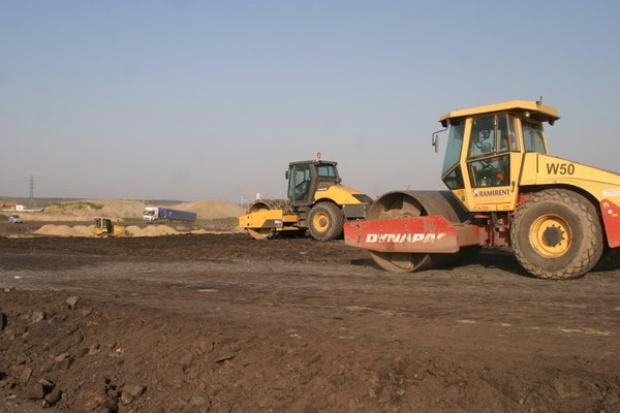 Rozpoczęto budowę kolejnych odcinków autostrady A2