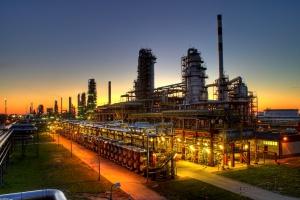 Asfalty mocną nogą polskich rafinerii