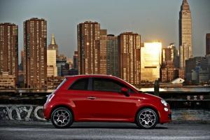 Fiat wjeżdża pięćsetką do USA