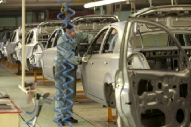 Produkcja samochodów w październiku spadła o 17,13 proc. mdm, 22,95 proc. rdr