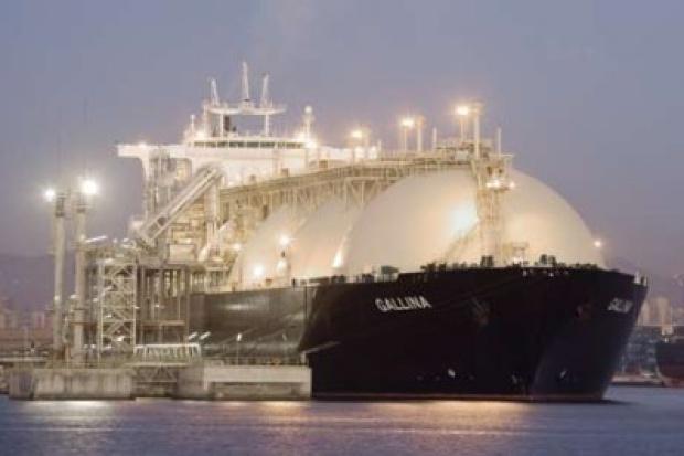 Budowa terminalu LNG o kilka miesięcy wyprzedza harmonogram