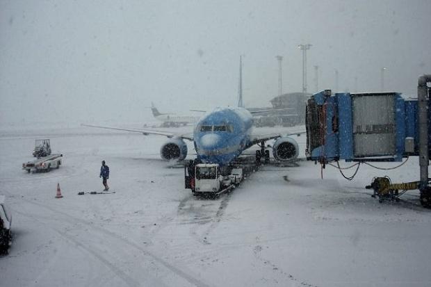 Zima paraliżuje europejskie lotniska