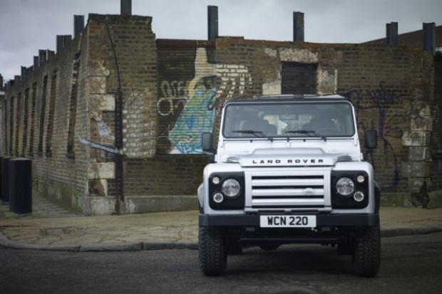 Land Rover wprowadza limitowaną wersję Defendera X-Tech