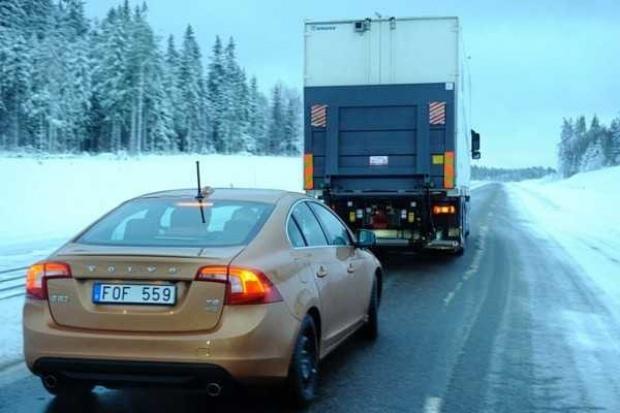Volvo szykuje automat do jazdy w kolumnie