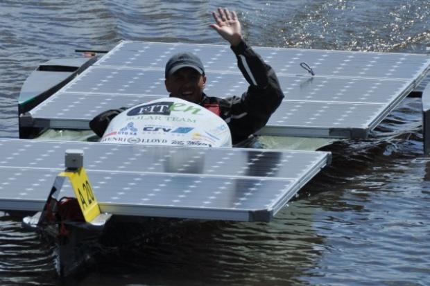 Wyjątkowa łódka z napędem słonecznym