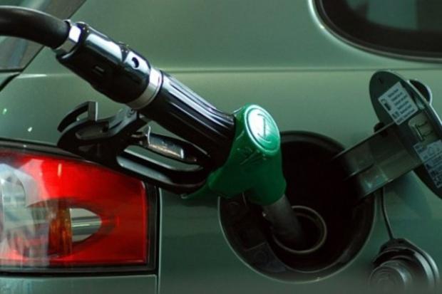 Nie liczmy na tańsze paliwa na stacjach