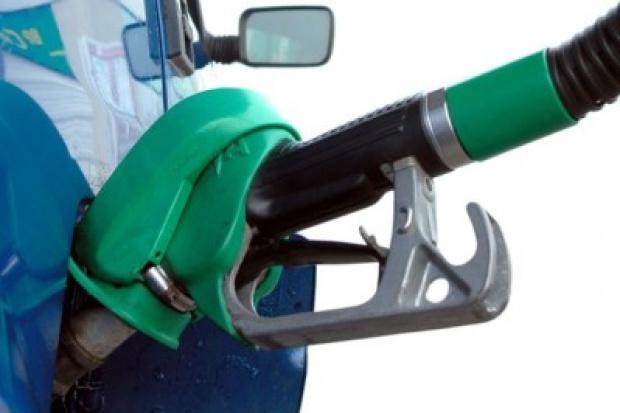 Popyt na paliwa wzrósł w zeszłym roku o 1 proc., Eu-95 droższa o 10 gr