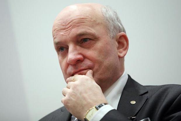 Prezes Lotosu: spodziewamy się spadku cen benzyny poniżej 5 zł
